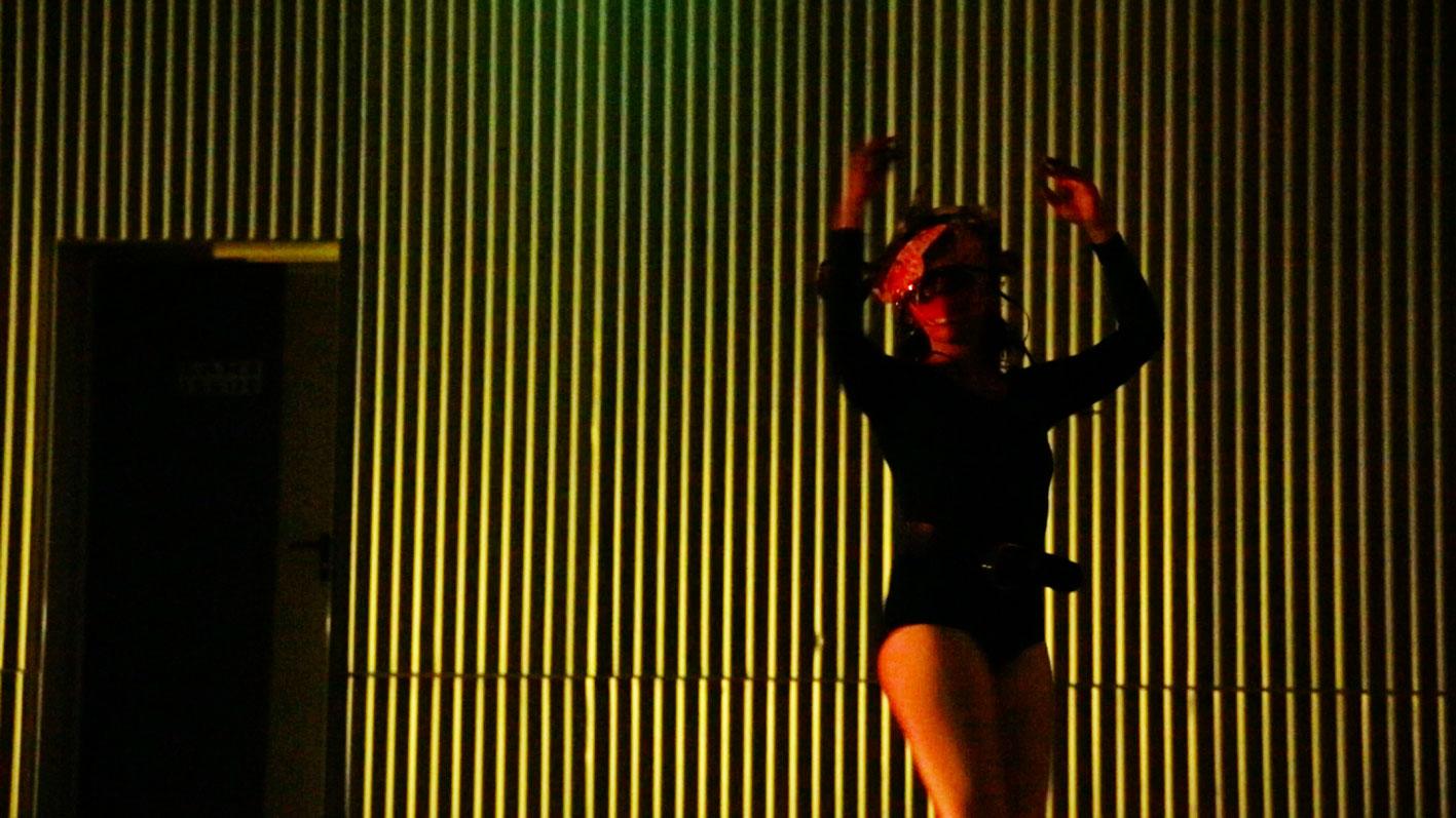 Emmanuelle Rosso / Artiste Plasticienne / Troupe Erratum / Blue Theater Project