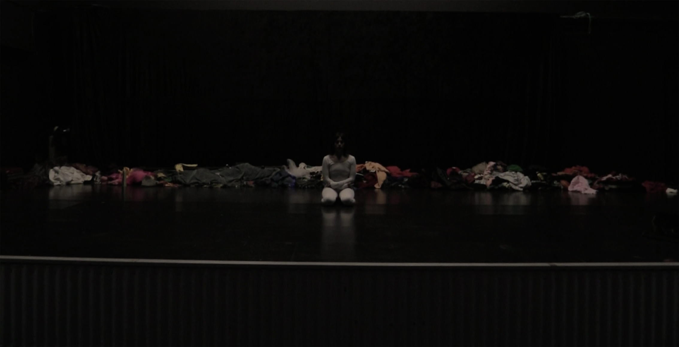 Emmanuelle Rosso / Artiste Plasticienne / Troupe Erratum / Blue Theater Project / galerie LaVitrine Limoges réseau 5/25